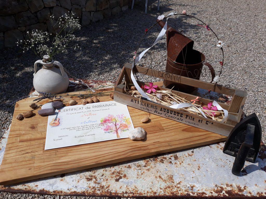décoration de la table pour la signature du certificat de parrainage